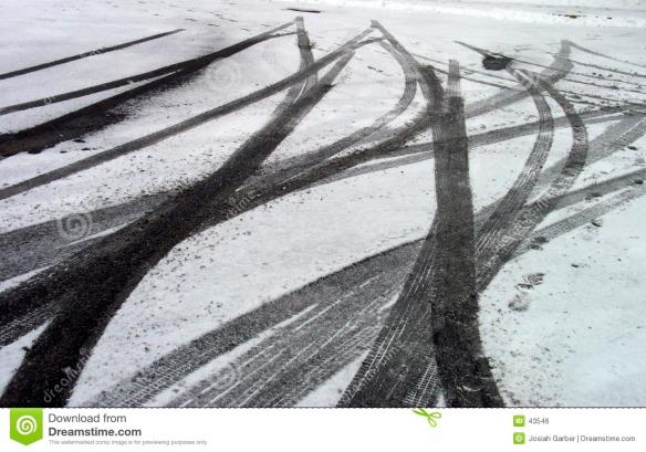 skid-marks-snow-43546