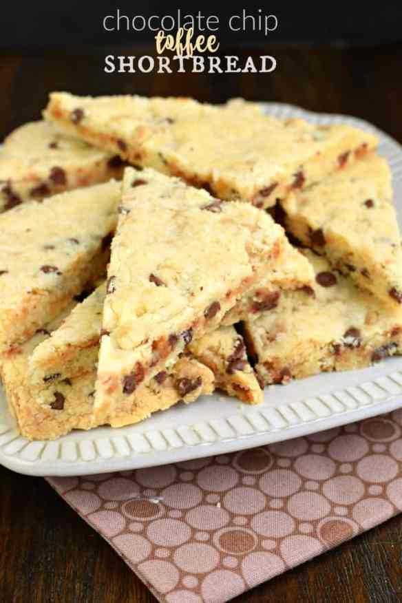 chocolate-chip-toffee-shortbread-cookies-4