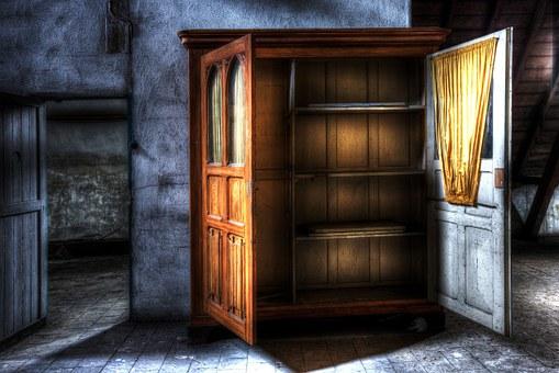 closet-426386__340